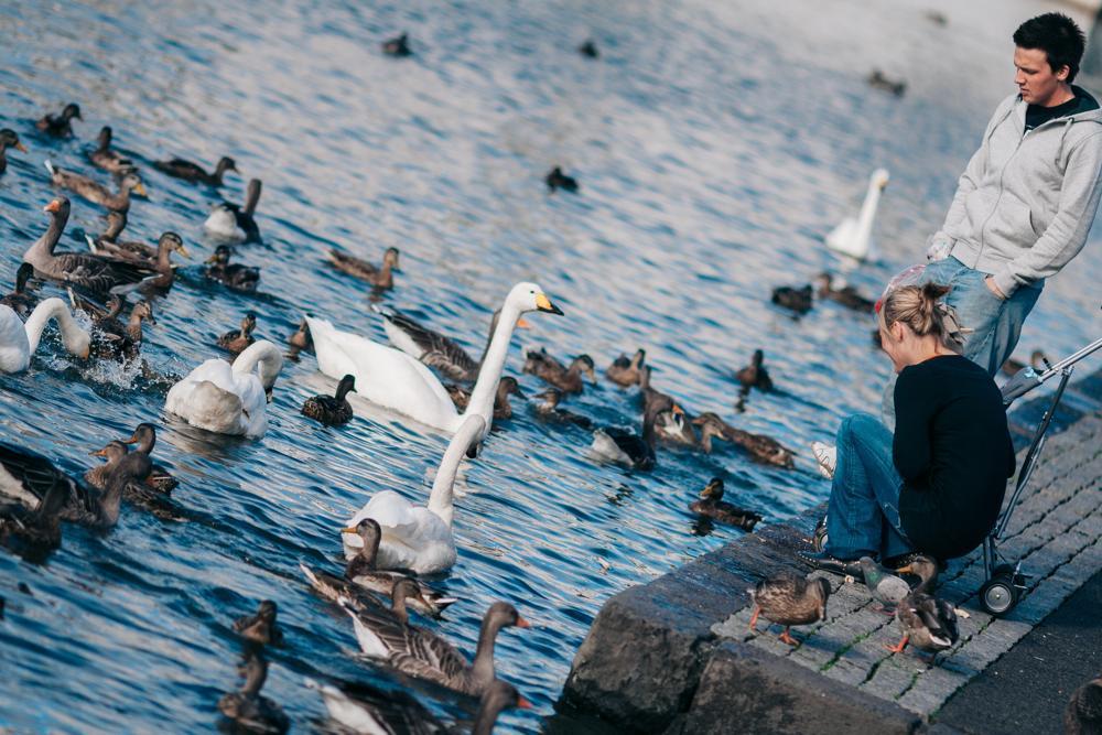 jovenes en Reykjavík, Islandia